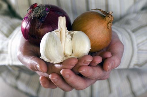 How to get rid of mucus at home best natural ways and remedies onions and garlic ccuart Gallery