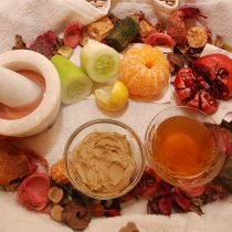 Fruit-Facial-for-Glowing-Skin[1]