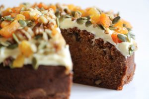 ake with carrot and dried apricots