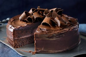 favourite-chocolate-cake-60559-1[1]