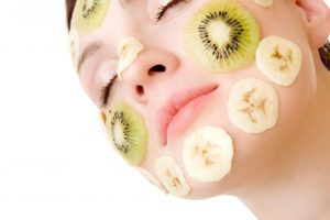 fruit-masque-on-face[1]