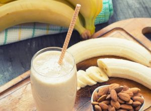 protein-shake-banana-almond[1]